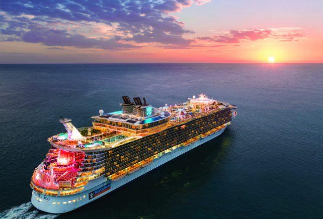 Allure of the Seas - Navio da Clase Oasis da Royal Caribbean