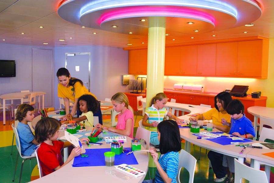 Imagination Studio é uma das atividades para as crianças dos navios da Royal Caribbean