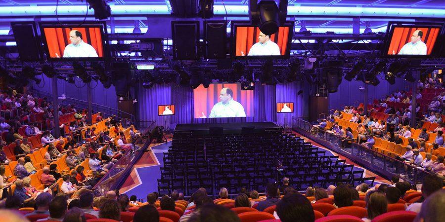Espaço para eventos em viagem corporativa com a Royal Caribbean